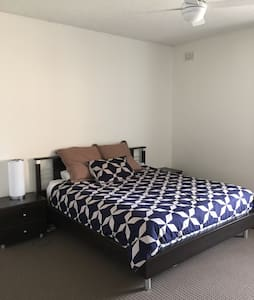Spacious 1 bedroom unit Glenelg - Glenelg North  - Apartament