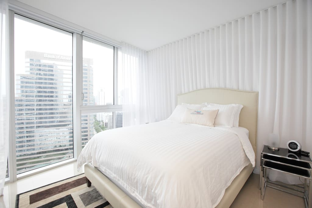 Master Bedroom with Queen Size bed and breathtaking Views