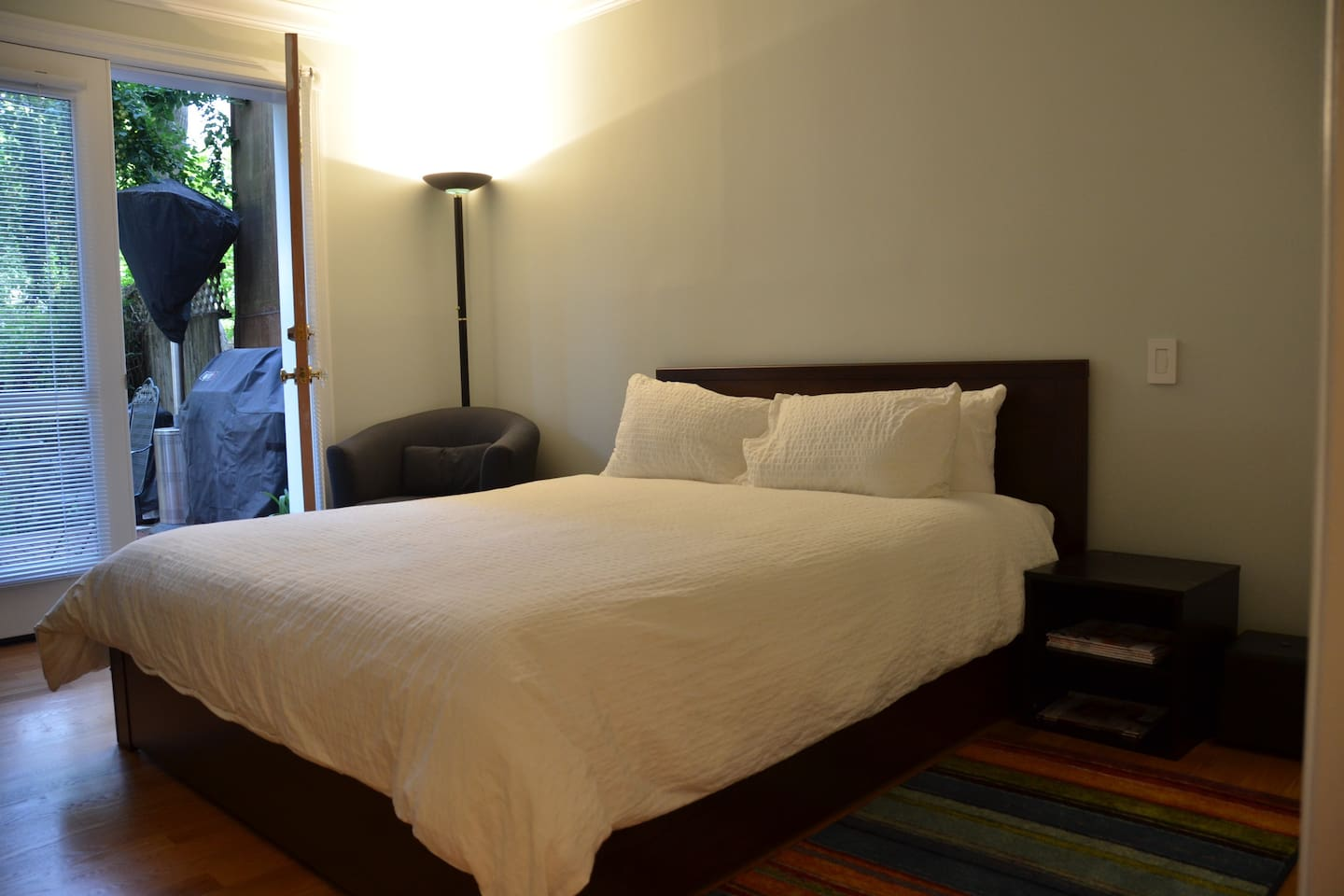 Brand new queen bed, linens, area rugs.  Complete remodel.