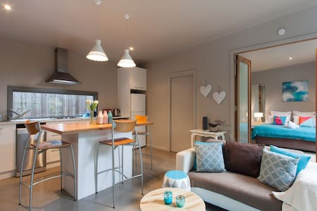 Love Shack - as new, romantic villa - Blairgowrie