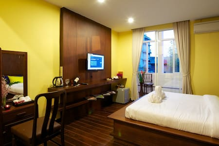 Sabye Bangkok Deluxe King bed Room - Penzion (B&B)