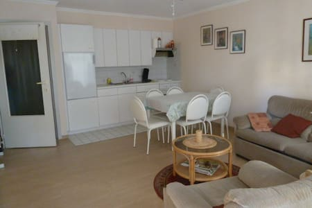 Cosy apartment 20 meters from the beach - Lakás