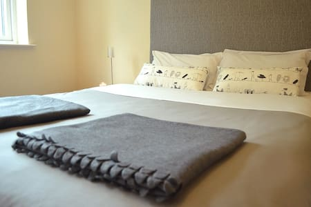 Double Bed with private Bathroom - Appartement