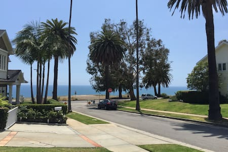 Pacific Palisades Bluffs Ocean Vus! - Pacific Palisades - House