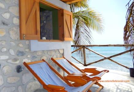 Romantic Rm, Windows OPEN to OCEAN - Chalé