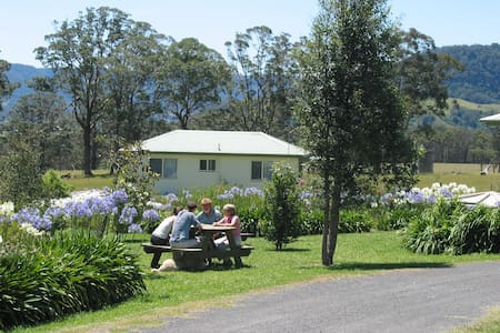BIG BELL FARM - Holiday Cabins - Kangaroo Valley - Cabane