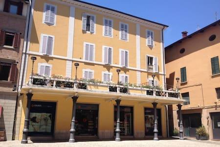 Residence Rocchi bilocale con terrazza in Piazza - Wohnung