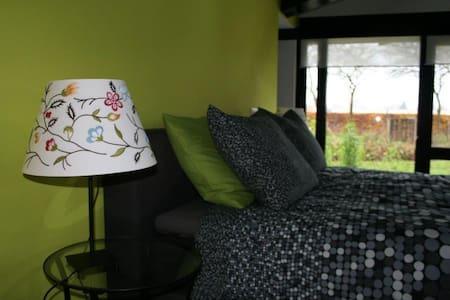 Mooie B&B kamer in een groene oase. - Szoba reggelivel
