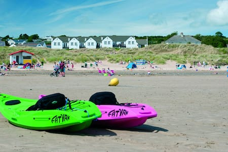 Sea facing self-catering cottages!! - Hus