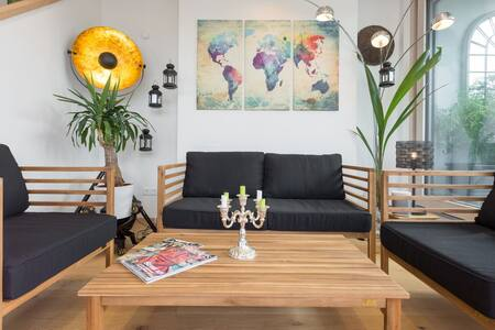Sunny Penthouse with terrace & view - Lakás