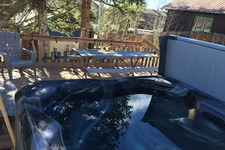 Cabin #3 In the village w/ HOT TUB! - Grand Lake - Cabane