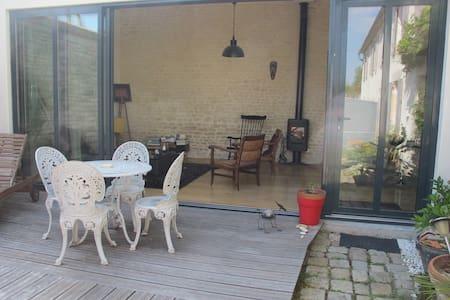 atelier vitré + chambre sur jardin - Maison