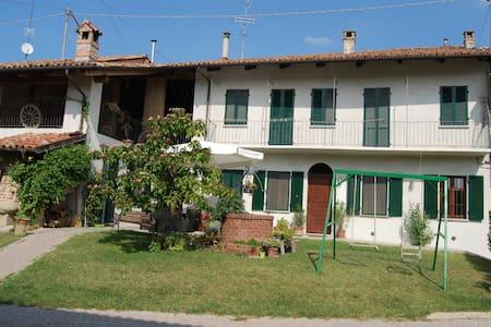 SCAPADACA' - House