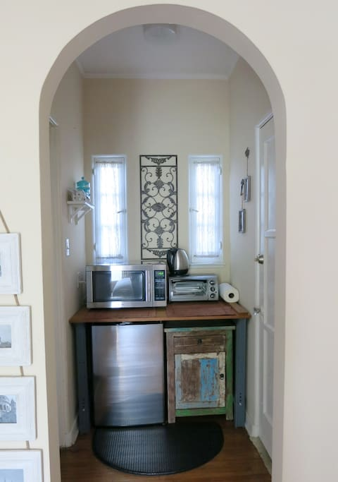 Little Kitchenette Alcove with Fridge, Microwave, French Press Coffee, Toaster Oven & Many Eateries Nearby