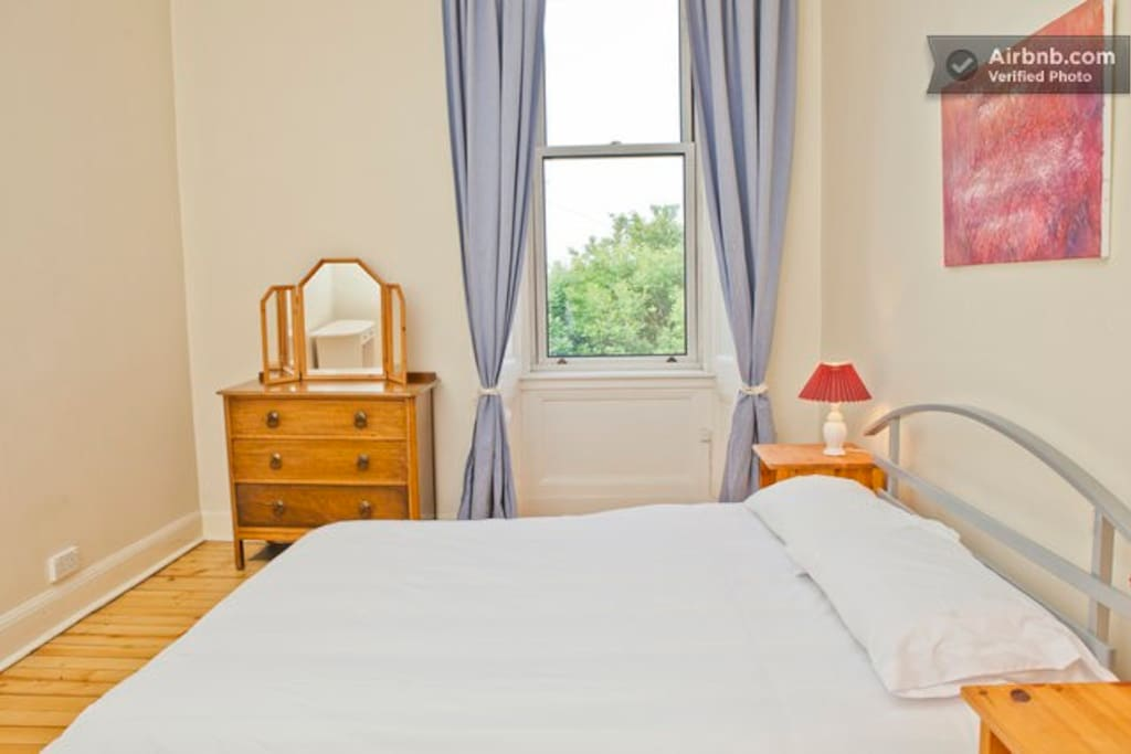 Very Central Quiet Double Room