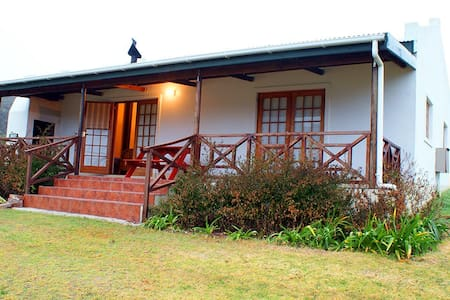 Akkerboom Country Cottages - Barrydale