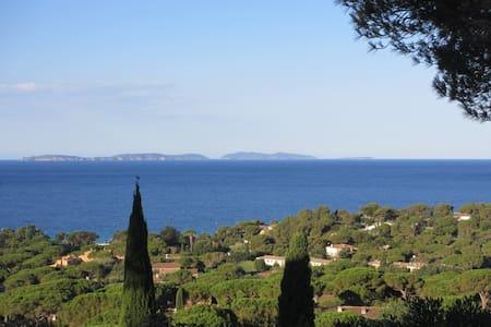 MAS Gigaro avec vue mer, Presqu'île de St.Tropez - La Croix-Valmer