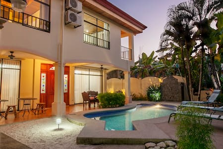 Playa Hermosa Villa w/ private pool