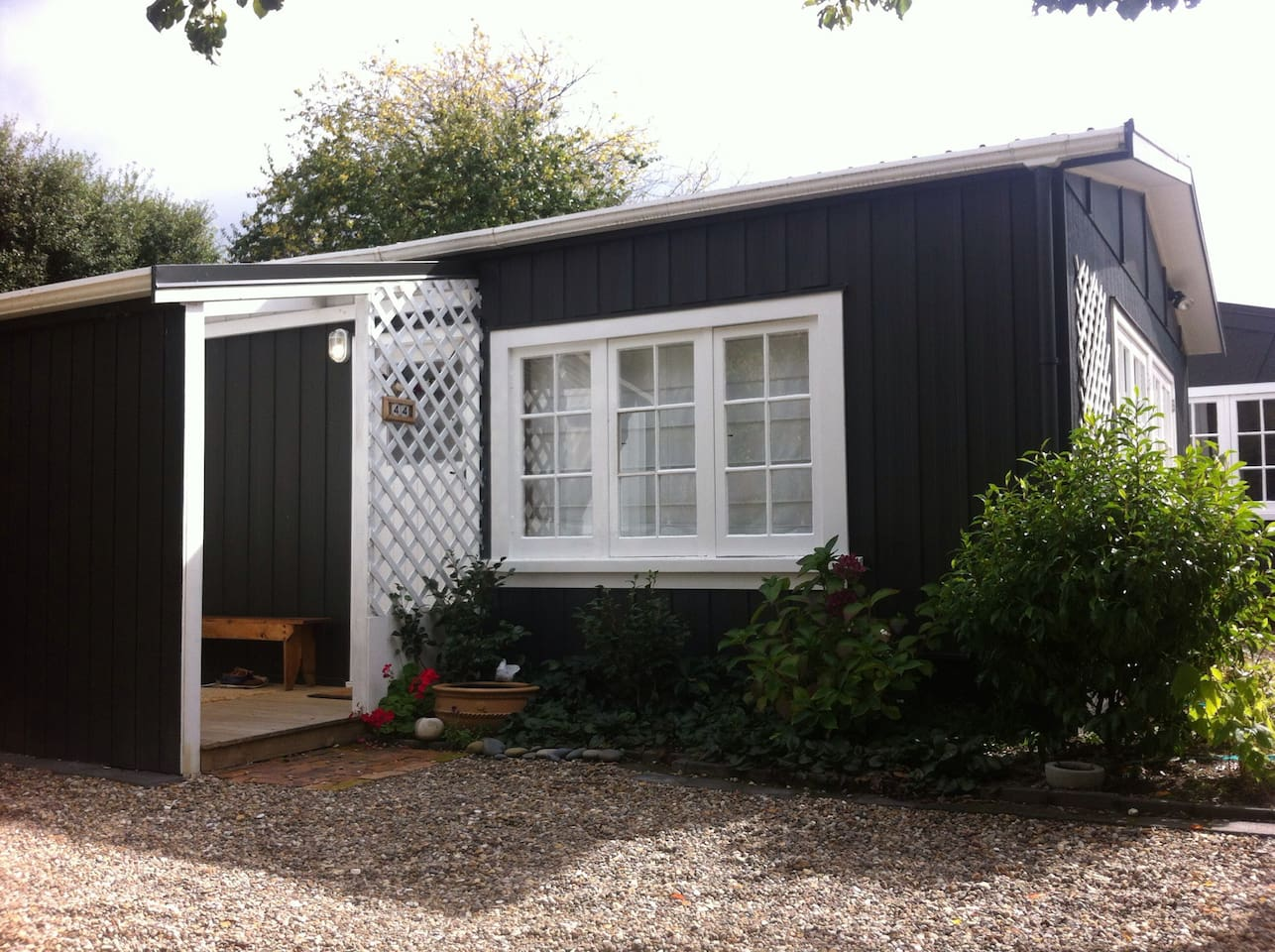 Your private studio entry porch next to the carpark with plenty of room for coats, boots.