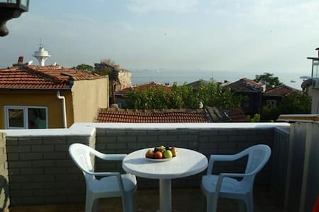 Studio Apartment Sea View Terrace - İstanbul - Apartment