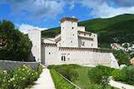 Stanza privata in umbria - Gualdo Tadino - Wohnung