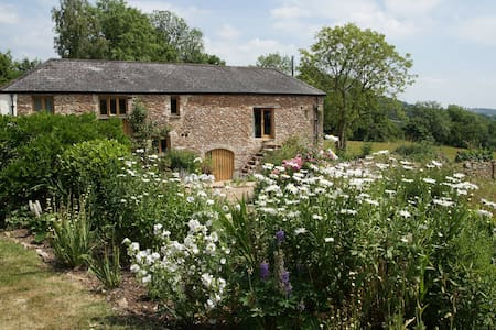 Luggs Barn -A Holiday with History! - House