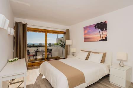 Seaview, Pool, WiFI, Alcudia .. - Apartment