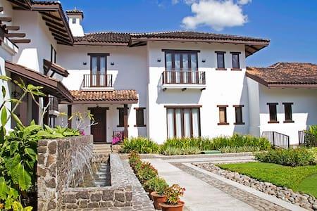 Hacienda Pinilla Villa Malinches 01