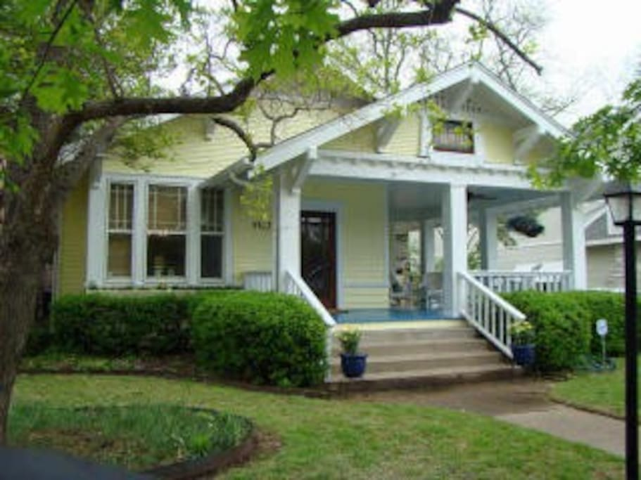 Friendly m streets neighborhood within walking distance to for Contemporary houses in dallas for sale