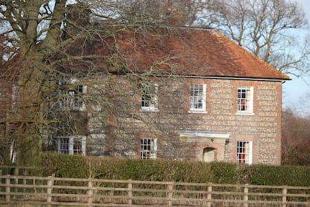 Glorious Farmhouse nr Hungerford - Dom
