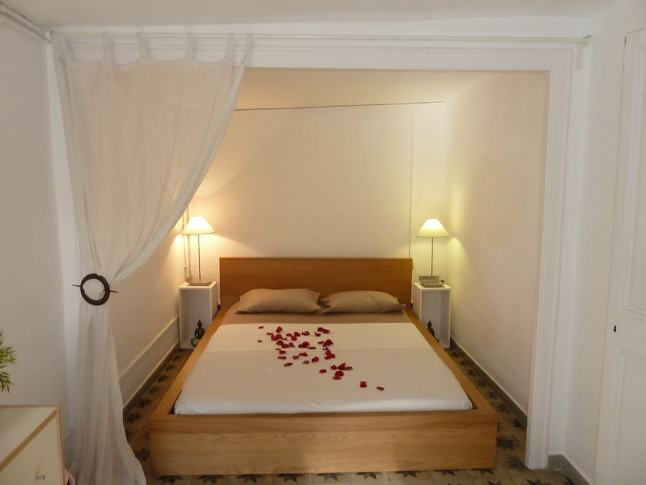 Main bedroom with kingsize double bed
