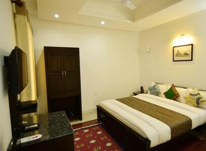 Luxury Room Near Taj Mahal - Agra - Bed & Breakfast