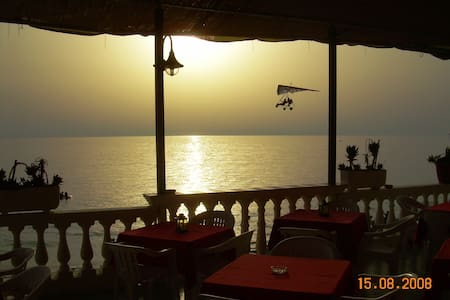 Bed & Breakfast sul mare (2 pax) - Bed & Breakfast