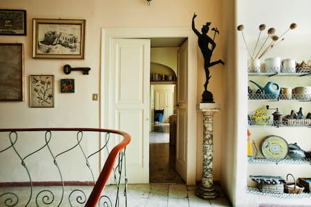 Quiet elegant flat in central area - Naples