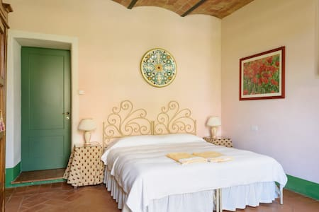 Charming room with a view - Buonconvento - Bed & Breakfast