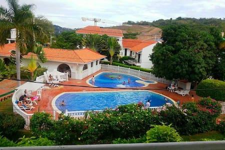 Gran y Espectacular Casa en Anapoima con piscina!! - Anapoima - House