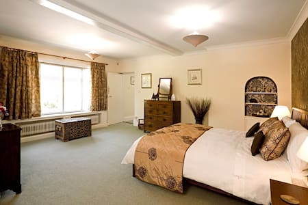 Double room - complete facilities - Westbourne - Bed & Breakfast