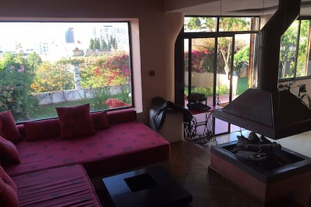 Room type: Entire home/apt Property type: Villa Accommodates: 4 Bedrooms: 1 Bathrooms: 1