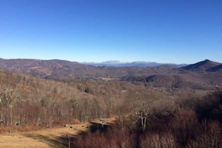 Sugar Mountain Ski in Ski out 2 Bed Amazing View - Condominio