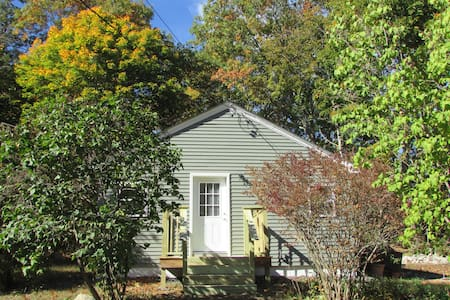 Grist Mill Cottage -  four-season home - Franklin - Ev