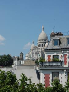 Room with view of the Sacre Coeur