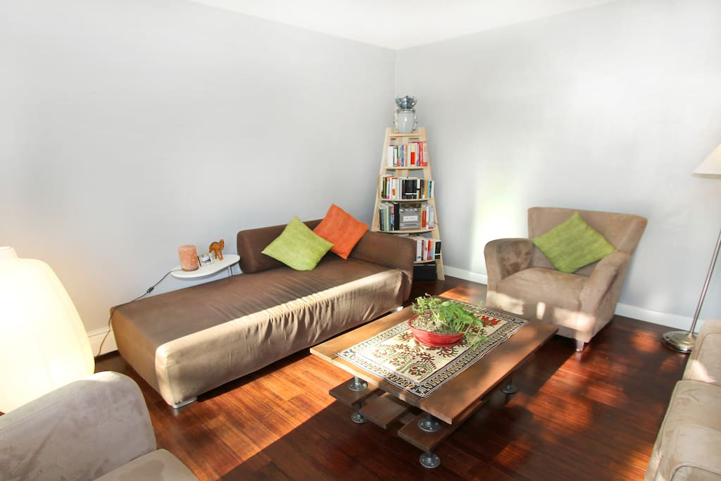 Clean cozy central 1 bed apartment