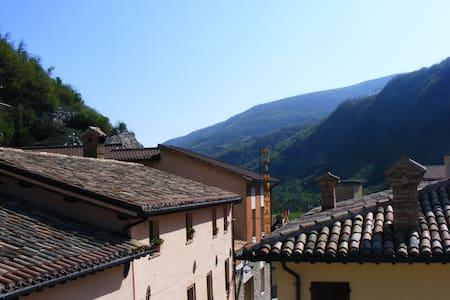 Accogliente Casa Monti Sibbilini - Lejlighed