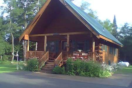 """Pine Away"" - Lifetime Memories! - Forestport - Kabin"