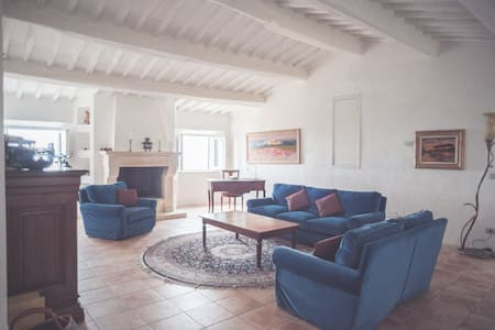Live in Medieval Village in Tuscany - Apartemen