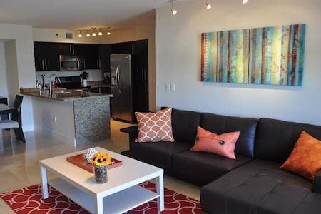 2/2 • DEC 8-16: $145/n• FAMILY-FRIENDLY • AVENTURA - Aventura