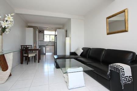 Private Apartment, Walking Distance to Beach - West Beach - Apartamento
