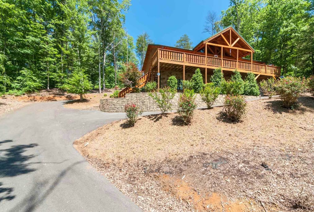 Beautifully nestled in the base of the Smokies