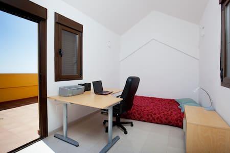 Room 3 in Santa Cruz + solarium