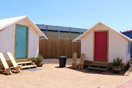 Camp Coyoacan Tent Bungalow #2 - Casa de campo